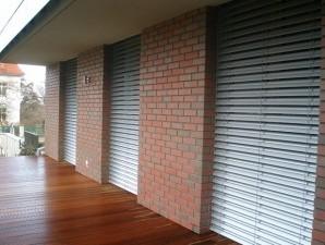 Vylepšete své okna předokenními roletami a venkovními žaluziemi