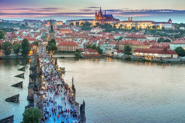 Pronajměte si v Praze byt či kancelář podle svých představ