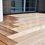 Dřevěná terasa vám umožní více využívat váš exteriér