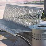 Děrované plechy při výrobě laviček a košů