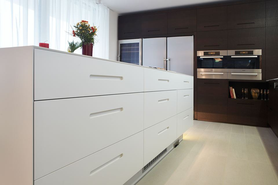kuchyne-na-miru-lebon