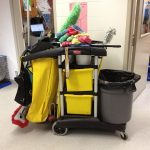 Jak si zajistit úklid, správu a ostrahu objektů na více místech najednou?